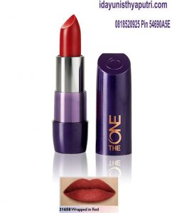 31658 Wrapped in red the one 5 in 1 colour stylist cream lipstick